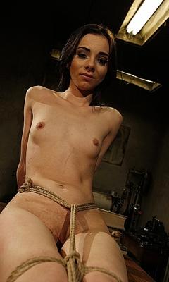 Jeanine Hot