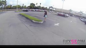 Ava Taylor in Windy City Snatch