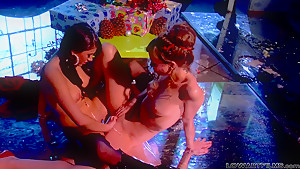 Capri Anderson and Shyla Jennings get wild and wet