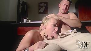 Kayla Green is blowjobing her boyfriend