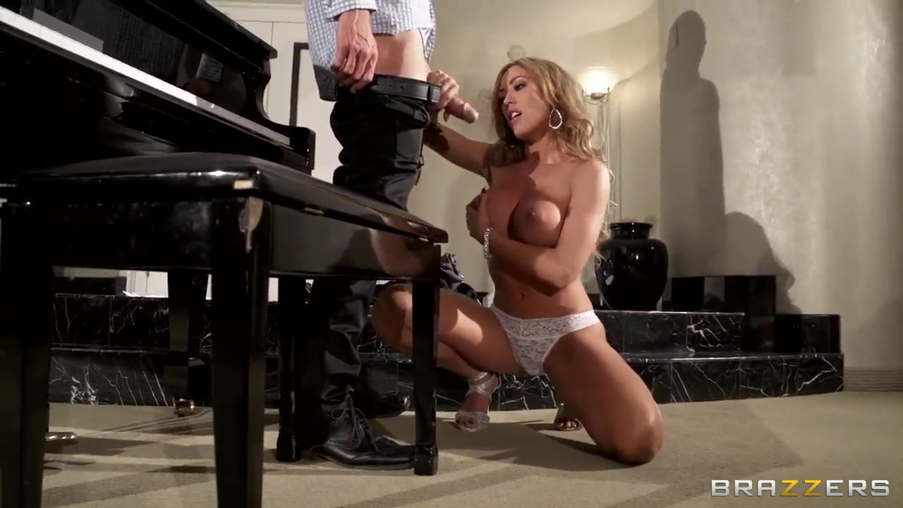 Hottest girl ever throat fucked