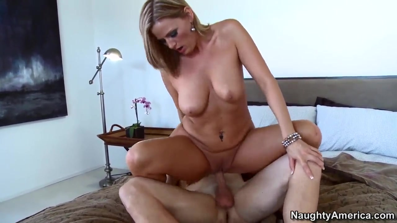 Blonde milf Becca Blossoms cunnilingus then fuck