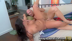 Johnny Sins licks London Keyes's trimmed pussy and fucks her