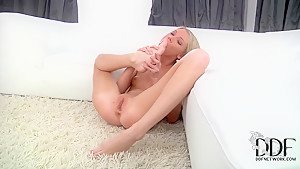 Skinny blonde Olli pleasures her self in fantasy