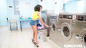 Ariana Aimes In Laundromat Lust