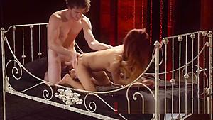 linh clip thuy Hoang sex