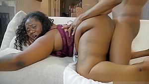 Milf gets drilled & squirts