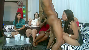 I like these horny women